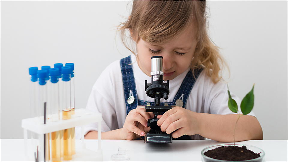 Microscope for kids, science experiment